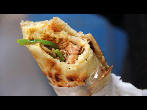 Unbelievably Tasty Kati Roll from Kusum Rolls - YouTube