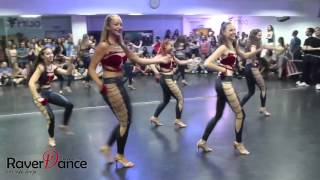 Amazing Bachata Lady-Style Performance