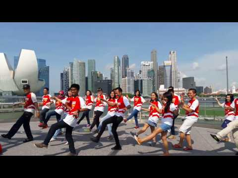 Chicken Dance in MBS Singapore (Binar Group Overseas)