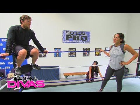 A post-baby Brie Bella gets back in the ring: Total Divas Preview Clip, Dec. 6, 2017