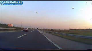 Kb. 180-nál eldurran a BMW motorja az M5-ösön