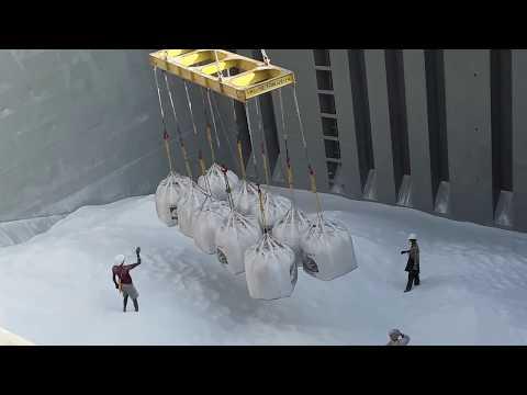 UNSEEN|crane loading ALLUMINIA in to ship @ vizag port