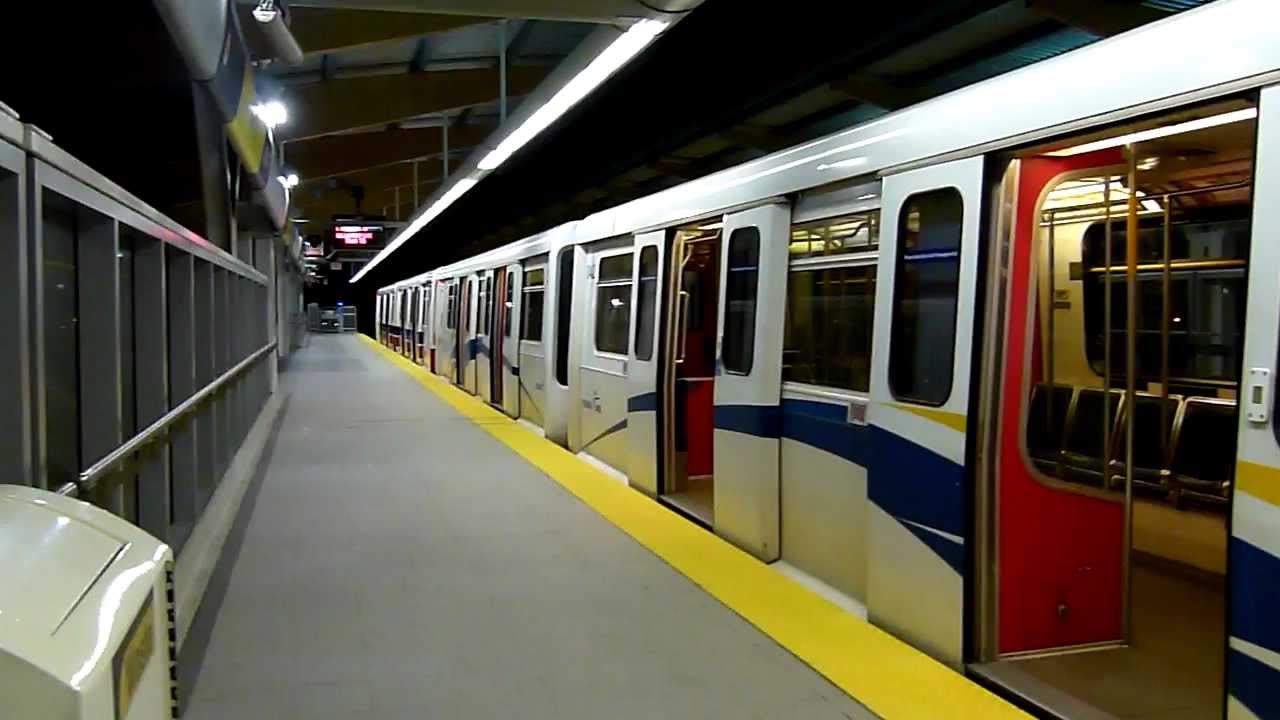 Skytrain In Vancouver 2011 Youtube
