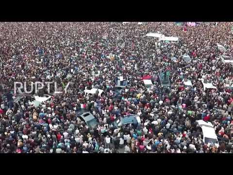 Armenia / Революция в Ереване /Drone captures protest in Yerevan as Sargsyan resigns from office