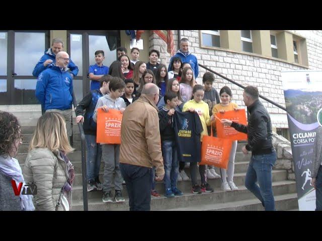 Consegna del contapassi alla scuola di Valdobbiadene