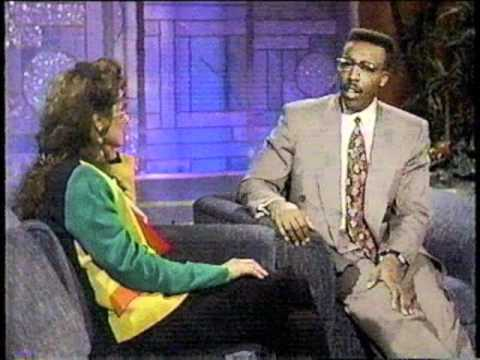 Amy Grant on Arsenio Hall Show singing 'Baby Baby' 1991