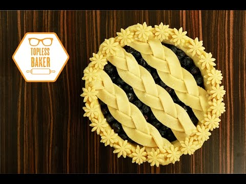 How To Make A Decorative Pie Crust - Topless Baker