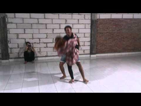 Choreografia hey Nona Manis