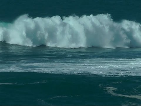 Raw: Big Waves Hit Hawaii