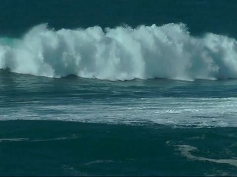 Raw: Big Waves Hit Hawaii