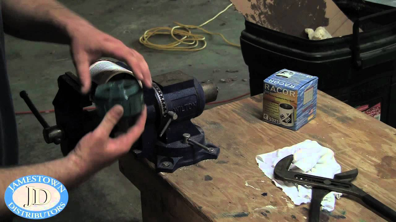 replacing a racor fuel filter youtube Fuel Filters Racor Rk21069 For replacing a racor fuel filter