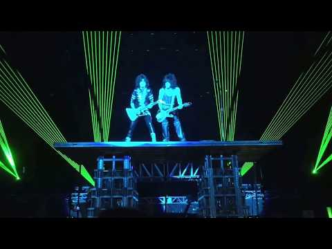 Lick It Up : KISS @ Ahoy, Rotterdam - (24th May 2017) ... dedicated to the Manchester bomb victims.