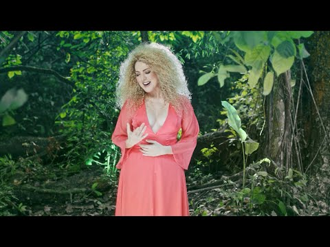 Erika Ender - Siembro Mi Vida (Official Video)