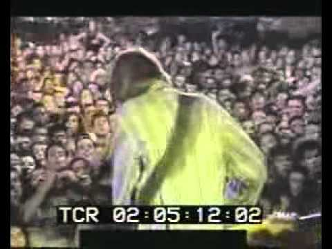 Kurt Cobain-goes crazy (Scentless Apprentice live in Rio)