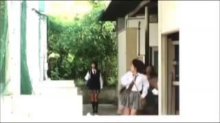 水泳選手権を目前に控えた女子校の競泳部。転入してきたアキ(範田紗々...