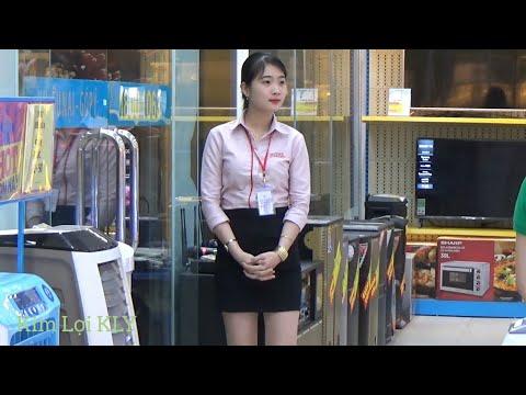 Beautiful Phone Shop Attendant   Nét Đẹp Và Duyên Dáng Của Nhân Viên Điện Máy Xanh Là Đây