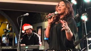 "12-21-2015 Memphis Music Monday - Wendy Moten ""Come In Out of The Rain"""