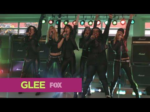 "GLEE - Full Performance of ''Start Me Up/Livin' on a Prayer '' from ""Never Been Kissed"""