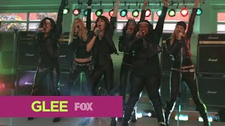 "GLEE - Full Performance of ''Start Me Up/Livin' on a Prayer '' from ""Never Been Kissed"""