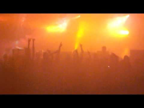THE SISTERS OF MERCY - Live in Paris - Le Bataclan (Part 2) - 07/03/2009 (High quality)