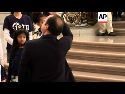 French President Hollande arrives to meet California governor and San Francisco mayor