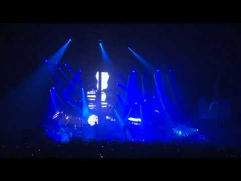 Pendulum - Witchcraft (Live at Wembley Arena, 03.12.2010)