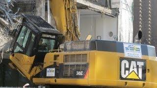 Caterpillar 345C bei Abbrucharbeiten in der Hamburger City, Teil 1