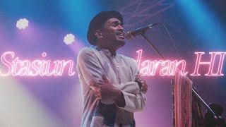 Смотреть клип Glenn Fredly - Stasiun Bundaran Hi