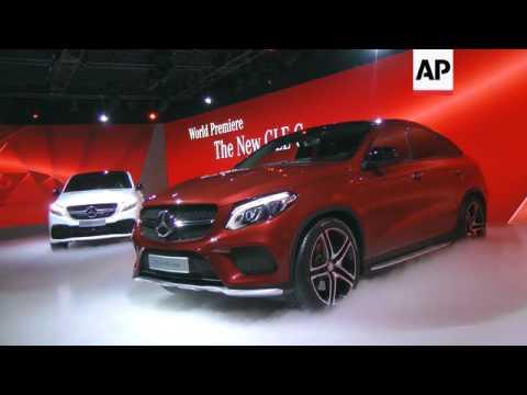 Car makers reveal premier vehicles at Detroit Auto Show