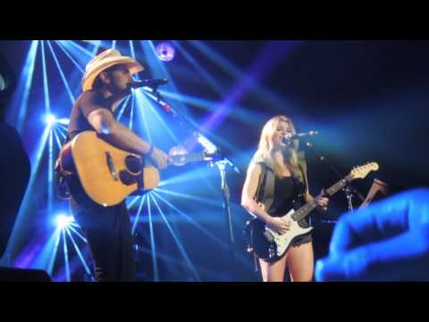 Brad Paisley ft: Lindsay Ell Whiskey Lullaby