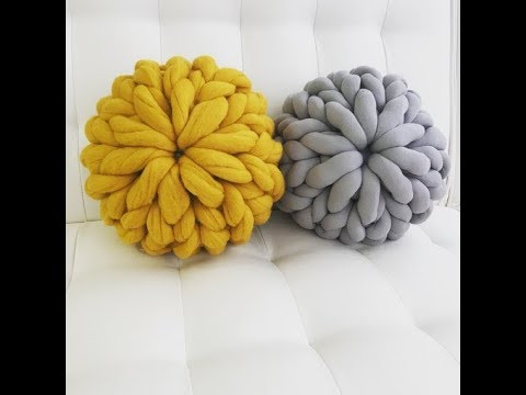 How to hand knit a chunky knit Merino wool pillow with BeCoz