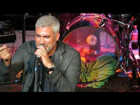 Taylor Hicks covers And It Stoned Me