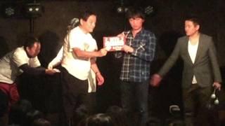 スピードワゴンの名古屋で行われたトークライブ終了後に、大村愛知県知...