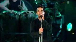 Robbie Williams Feel live at Knebworth 2003