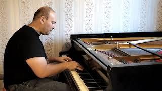 Песня о любви (из к/ф Гардемарины, вперед!) -  играет Дионис Харлампиди