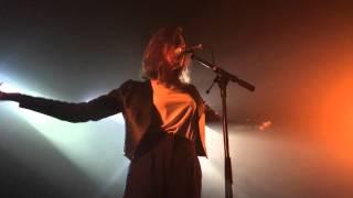 Fishbach - Tu vas vibrer / Béton mouillé @ Point Éphémère (Paris, 21 / 03 / 16)