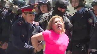 Задержания на подступах к площади Республики