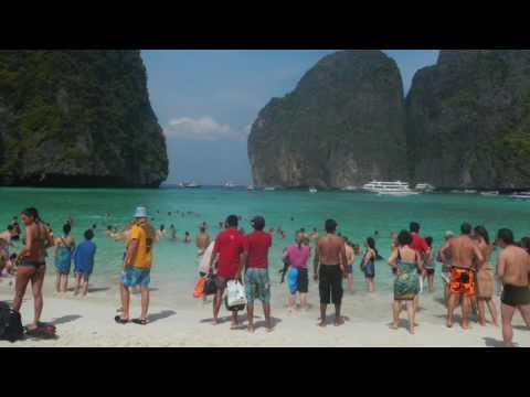 Amazing Photos Kuala Lumpur, Malaysia to Thailand Border Backpack 2011