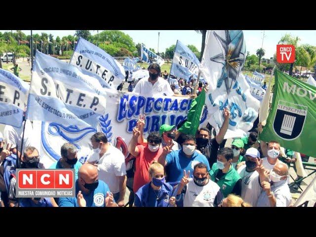 CINCO TV - Los trabajadores encuentran respuestas al conflicto con el Parque de la Costa