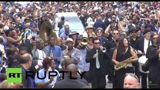 USA: Thousands pay tribute to Blues legend B.B. King in Memphis