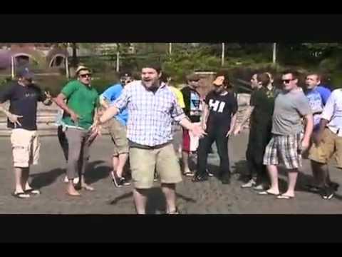 мужики поют Леди Гага^_^