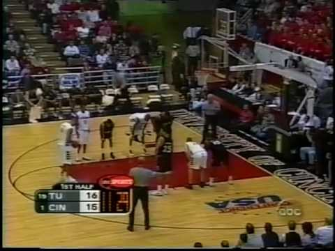 02/20/2000:  #15 Temple Owls at #1 Cincinnati Bearcats