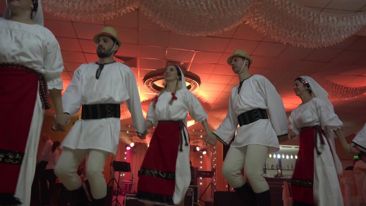 Formatia De Dans Romanasul Din Brasov La Casa Venus Youtube