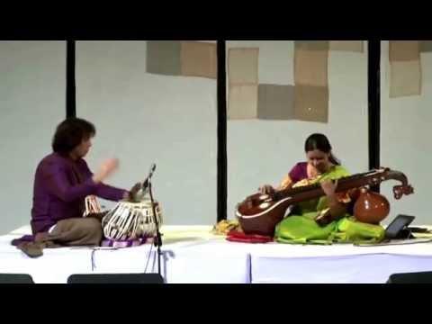 Jayanthi Kumaresh & Zakir Hussain Live - Jugalbandi [HD]
