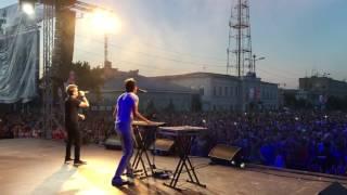 Алексей Потехин и Владимир Лучников на день города в городе Троицк  / RocketBooking