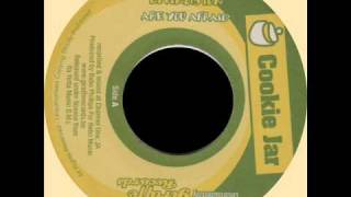 "Carlton Livingston - Are You Afraid + Dub (COOKIE JAR) 7"".wmv"