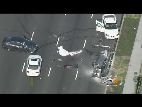 Multi-Vehicle Wreck In Torrance Leaves 1 Dead, 1 Hurt - YouTube