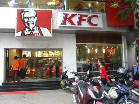 10TN1 Quảng cáo KFC - THPT Yên Hòa