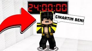 24 SAAT DELİ ODASINDA KALDIM! 😱 Minecraft