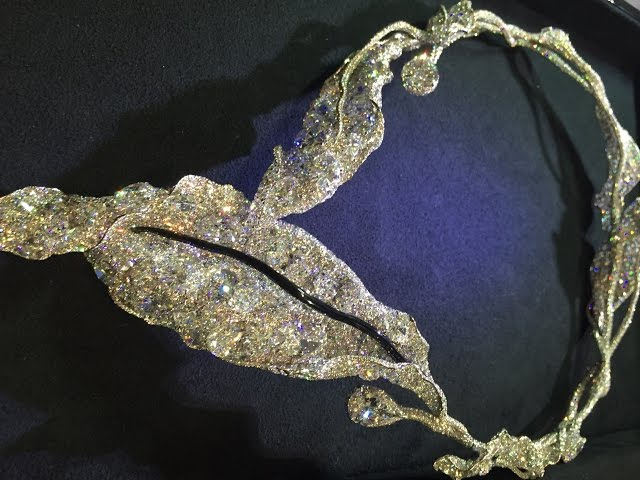 Cindy Chao Winter Leaf necklace